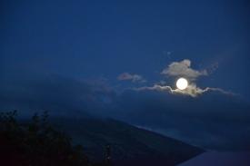 Månen er nesten full