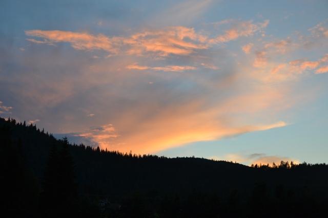Flotte skyer i vest