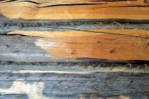 Tømmervegg med ullisolasjon som skal fjernes
