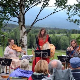 Juli: Solrenningskonsert i Vingelen
