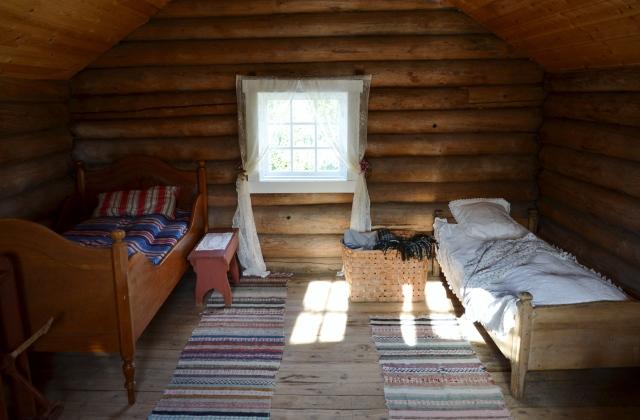 Hvem kan vel ikke tenke seg å overnatte her? Vi syns i hvert fall det ble et veldig trivelig sommersoverom!