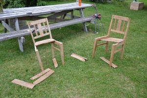Noe stemte ikke, og stolen måtte fra hverandre igjen. På dette tidspunktet var jeg fristet til å gi opp hele puslespillet