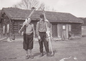 Døra på gammelstua er den samme i dag som dengang - rundt 1942