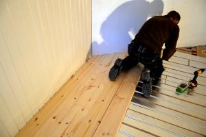 Røre er lagd også på soverommet. Så skal det egentlige gulvet på toppen!