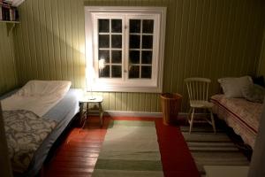 Den lille divanen kan også brukes til å sove på av en liten person