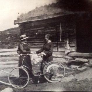 Sæterkuller med sykkel
