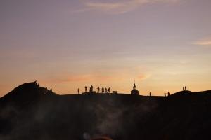 Der så vi Elden, en flott forestilling som spilles årlig inne i slegghaugan