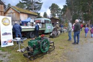 Motorhistorisk klubb, Nord-Østerdal viste bl.a. frem den gamle melkebilen, den eneste som er igjen etter Tynset meieri sine biler. Bilen eies nå av Ivar Hugubakken.