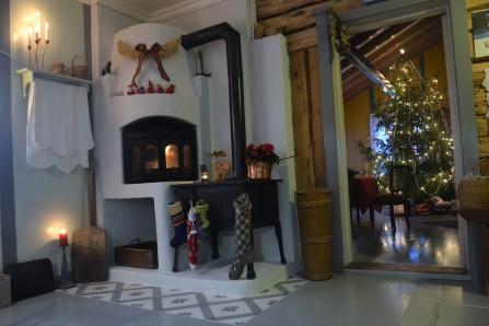 Julaften er alt klart, strømpene henger klare, pakkene under treet og huset er ryddig og rent. Nå er det bare å nyte!