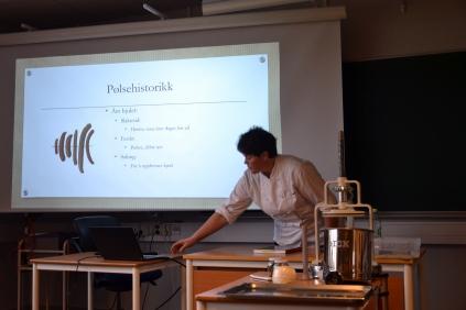 Hallgerd Tronsmoen, Hedmarks første kvinnelige pølsemaker, var en dyktig formidler på kurset.