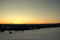 I øst nærmer det seg solrenning
