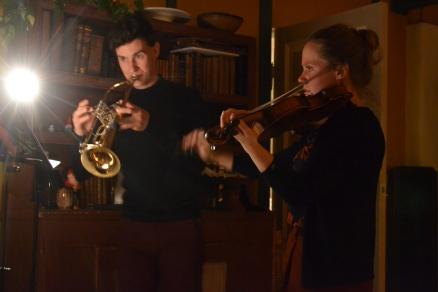 Julemusikk for trompet (Richard) og fiolin (Oda Martine)